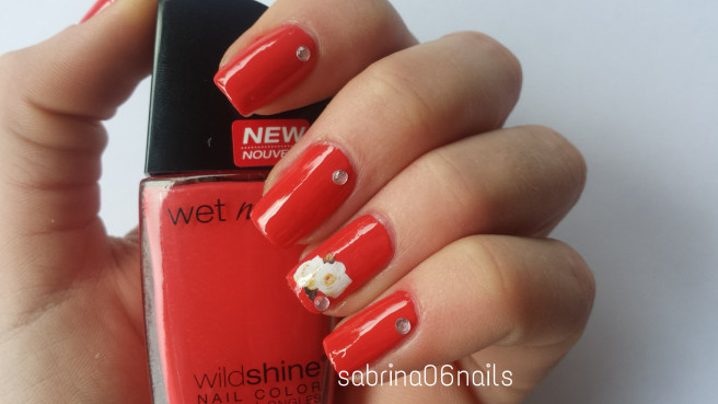 Лак для ногтей Wet n Wild Wild Shine Nail Color E475c (Цвет E475c Grasping at Strawberries variant_hex_name E24242)