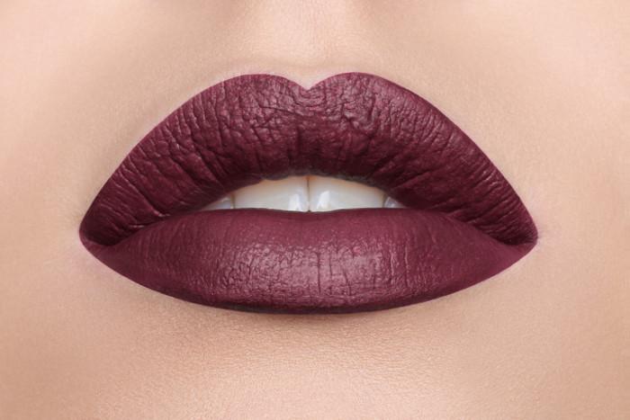 Жидкая помада LASplash Cosmetics Studio Shine Waterproof Matte Lip Lustre DOD Valentina (Цвет Valentina  variant_hex_name 3C1822)