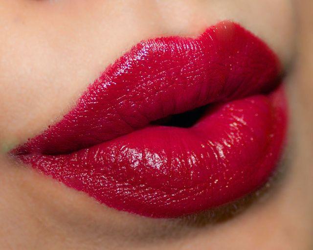 Помада Delilah Colour Intense Cream Lipstick Vintage (Цвет Vintage  variant_hex_name 9E2031)