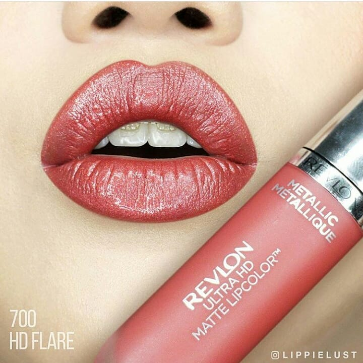 Жидкая помада Revlon Ultra HD Metallic Matte Lipcolor 700 (Цвет 700 Flare variant_hex_name A04543)