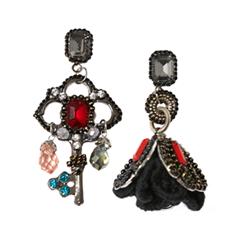 Серьги Herald Percy Асимметричные серьги-шандельеры с черными и красными кристаллами my account