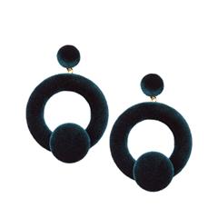 Серьги Herald Percy Темно-зеленые велюровые серьги-кольца серьги herald percy черно золотистые серьги кольца