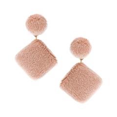 Серьги Lisa Smith Розовые плюшевые серьги lisa corti короткое платье