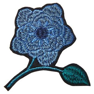 Синяя брошь-цветок