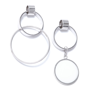 Серьги SKYE Асимметричные серьги-кольца кольца skye кольцо с белым треугольником размер 0