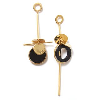 Серьги Nuance Асимметричные серьги с золотисто-черными подвесками серьги с подвесками jv серебряные серьги с синт гранатами и куб циркониями ppe2271 grb 001 wg